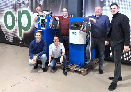 Gruppenbild mit Wagener und o+p Mitarbeitern
